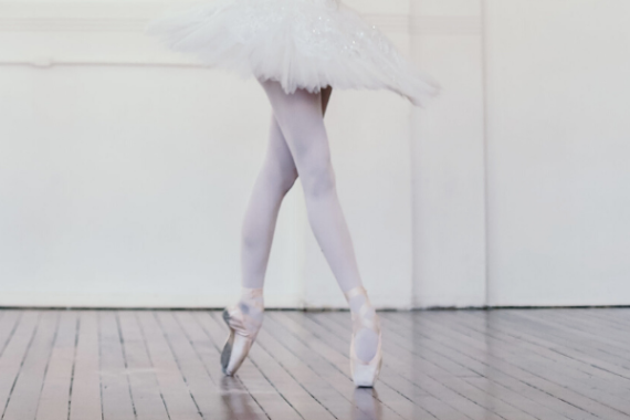 How to break in pointe shoes